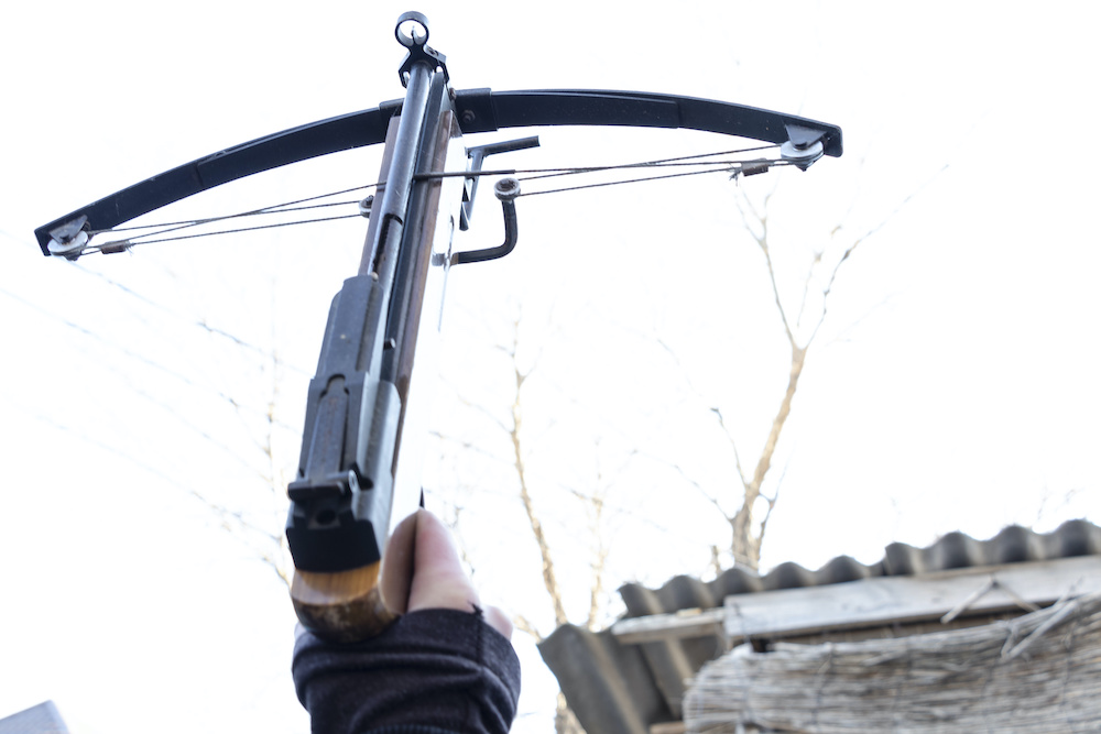 how to restring a crossbow