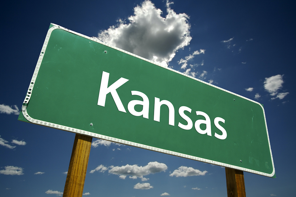 are crossbows legal in kansas